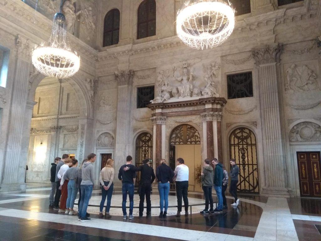 Leerlingen vwo 6 naar Rijksmuseum en Stedelijk Museum