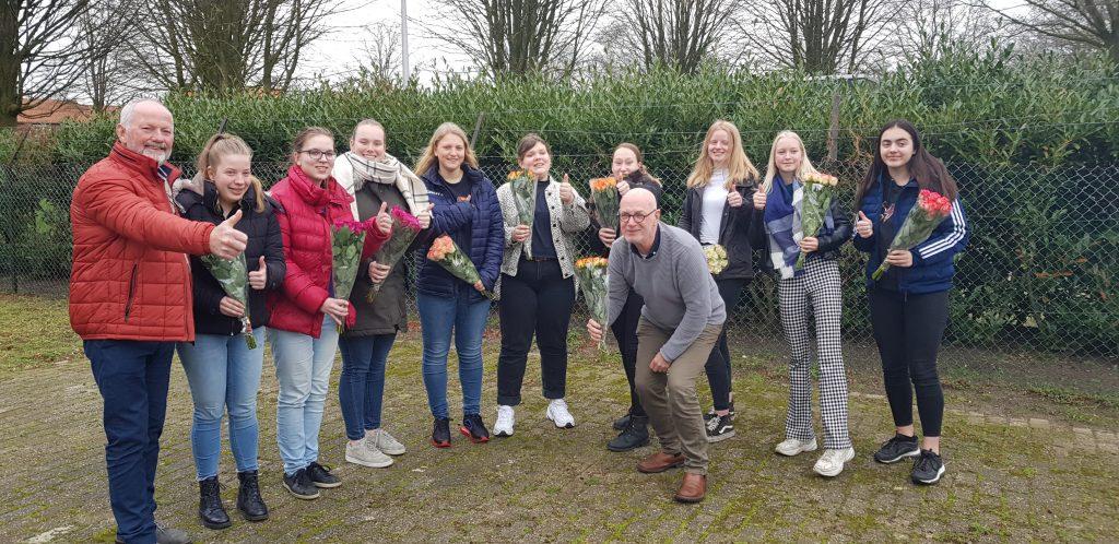 Negen leerlingen Zorg & Welzijn halen EHBO-examen