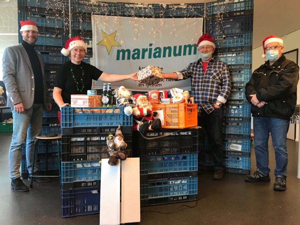 Opbrengst goede-doelen-weken: 42 volle kratten en 350 kerstpakketten