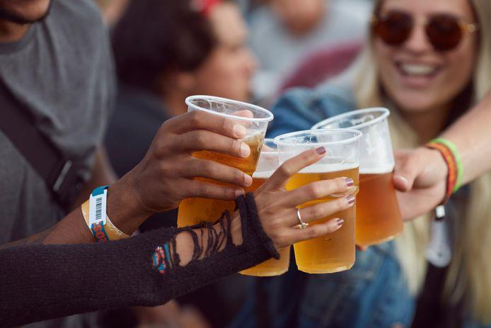 Tip: digitale ouderavond over thema alcohol, roken en blowen